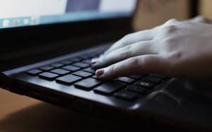 Studiu: Utilizarea in exces a retelelor de socializare poate duce la singuratate si izolare