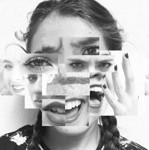 Schimbarea brusca de la exaltare la depresie, poate indica o afectiune bipolara