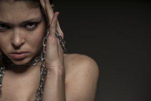 Trei patrimi din afectiunile mintale la adulti incep inainte de 24 de ani