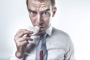 Terapia traditionala, mai eficienta in tratarea tulburarilor alimentare compulsive