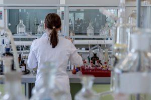 Studiu: Angajatii din Sanatate cred ca Legea salarizarii unitare va avea efecte negative