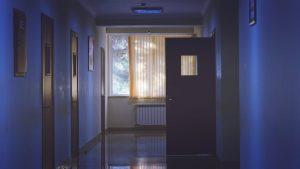 Romania, condamnata la CEDO in cazul unui barbat internat la Psihiatrie de 10 ani. Avocatul Poporului face verificari