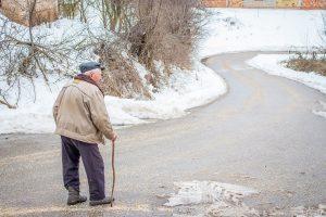 Una din zece persoane peste 65 de ani sufera de dementa